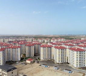 Azerbaijani president, first lady attend ceremony of presenting apartments, cars to families of martyrs
